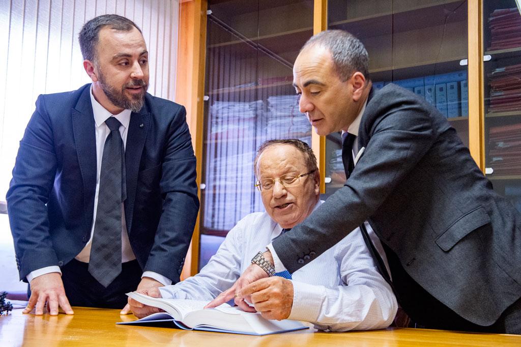 צוות-עורכי-הדין